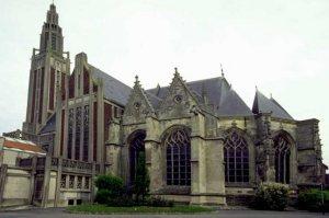 Églises reconstruites, exemples de reconstructions d'après-guerre